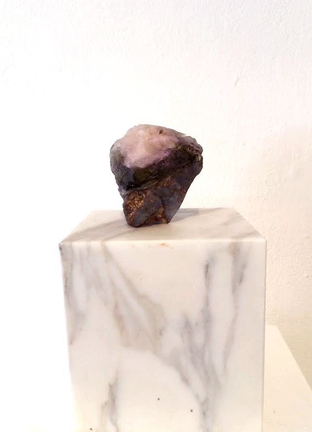 Stone, epoxy, marble<br>17 cm x 27 cm